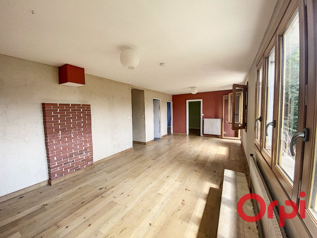Maison à vendre 5 85m2 à Saint-Amand-Montrond vignette-4