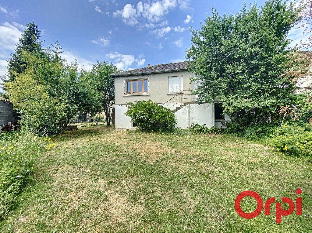 Maison à vendre 5 85m2 à Saint-Amand-Montrond vignette-8