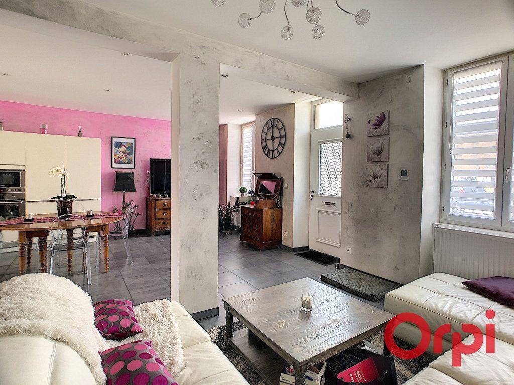 Maison à vendre 4 118m2 à Saint-Amand-Montrond vignette-3