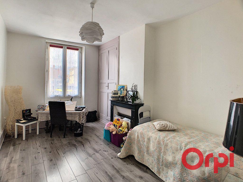 Maison à vendre 4 118m2 à Saint-Amand-Montrond vignette-9