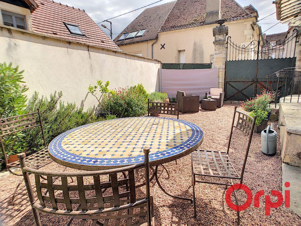 Maison à vendre 4 118m2 à Saint-Amand-Montrond vignette-11