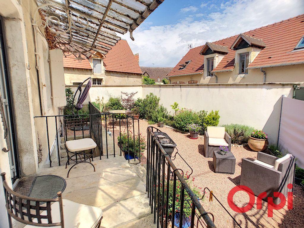 Maison à vendre 4 118m2 à Saint-Amand-Montrond vignette-12