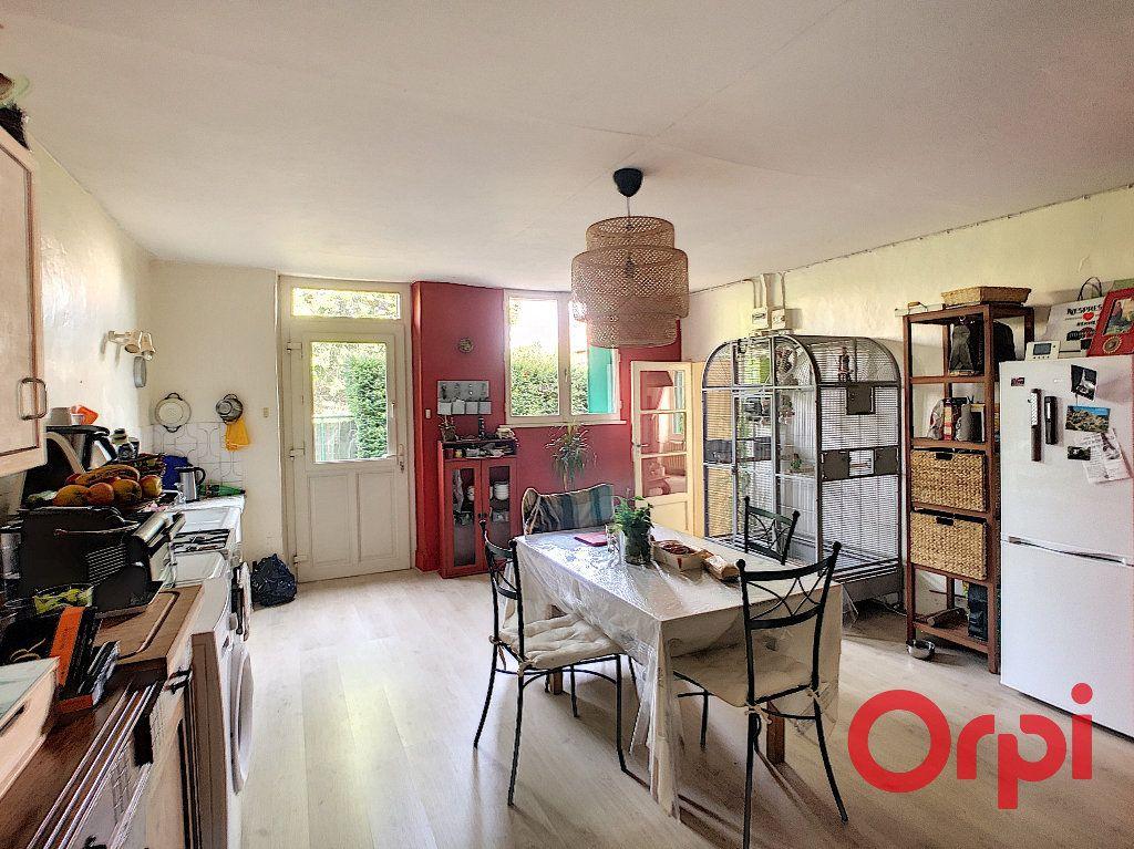 Maison à vendre 4 140m2 à Saint-Amand-Montrond vignette-2