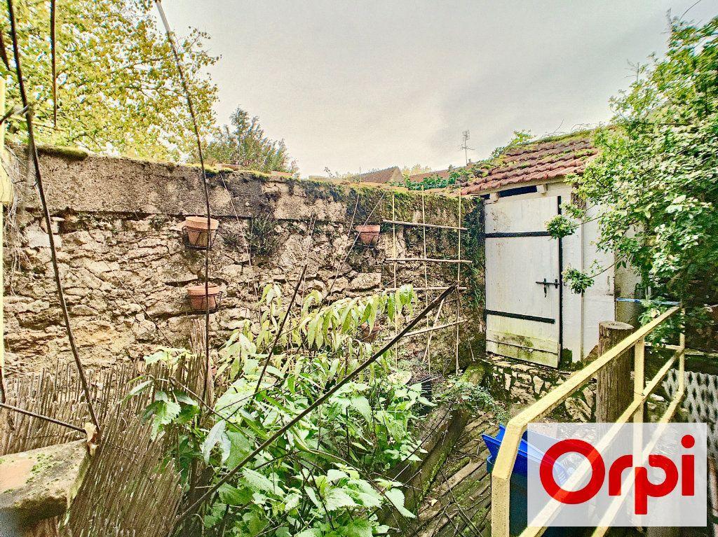 Maison à vendre 3 71m2 à Ainay-le-Vieil vignette-3