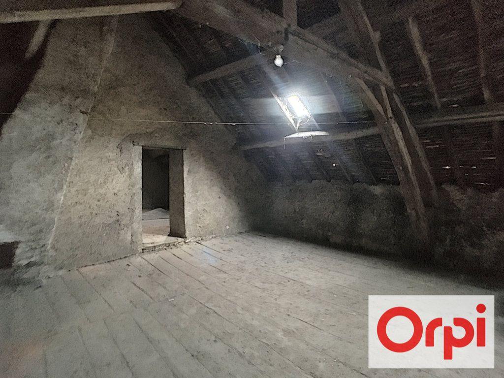 Maison à vendre 6 104m2 à Saint-Amand-Montrond vignette-5