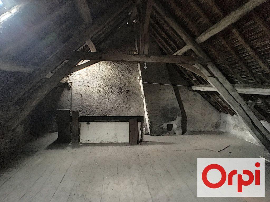 Maison à vendre 6 104m2 à Saint-Amand-Montrond vignette-6
