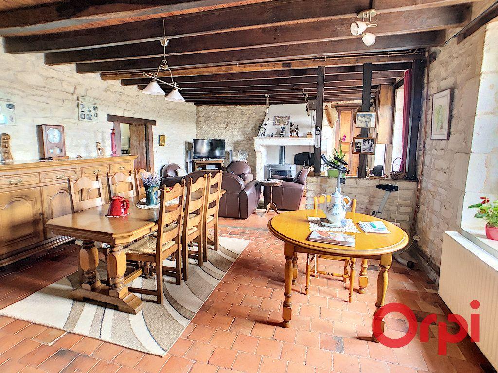 Maison à vendre 4 113.3m2 à Ids-Saint-Roch vignette-3