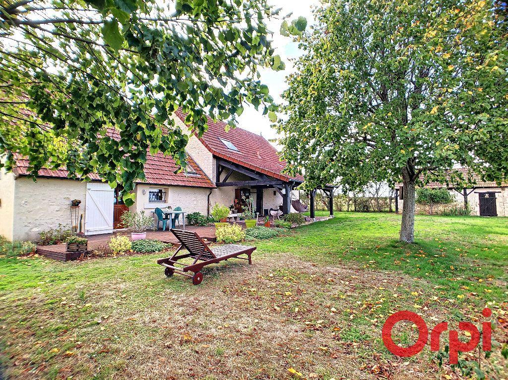 Maison à vendre 4 113.3m2 à Ids-Saint-Roch vignette-10