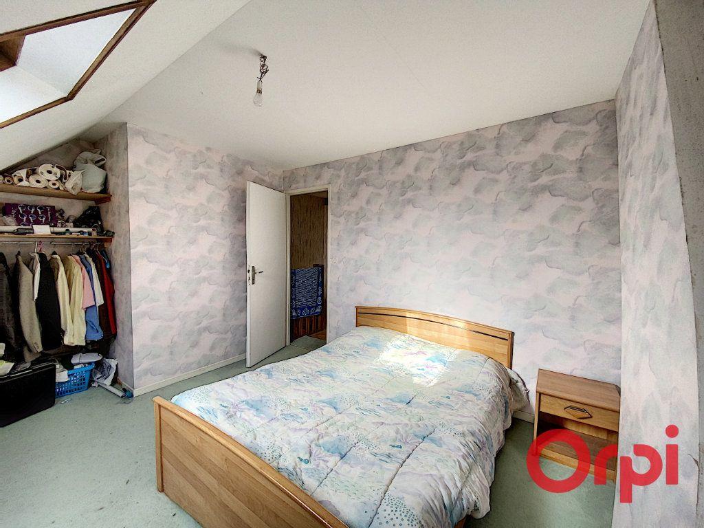 Maison à vendre 3 60m2 à Saint-Amand-Montrond vignette-3