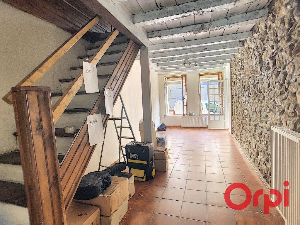 Appartement à vendre 3 62.4m2 à Saint-Amand-Montrond vignette-2