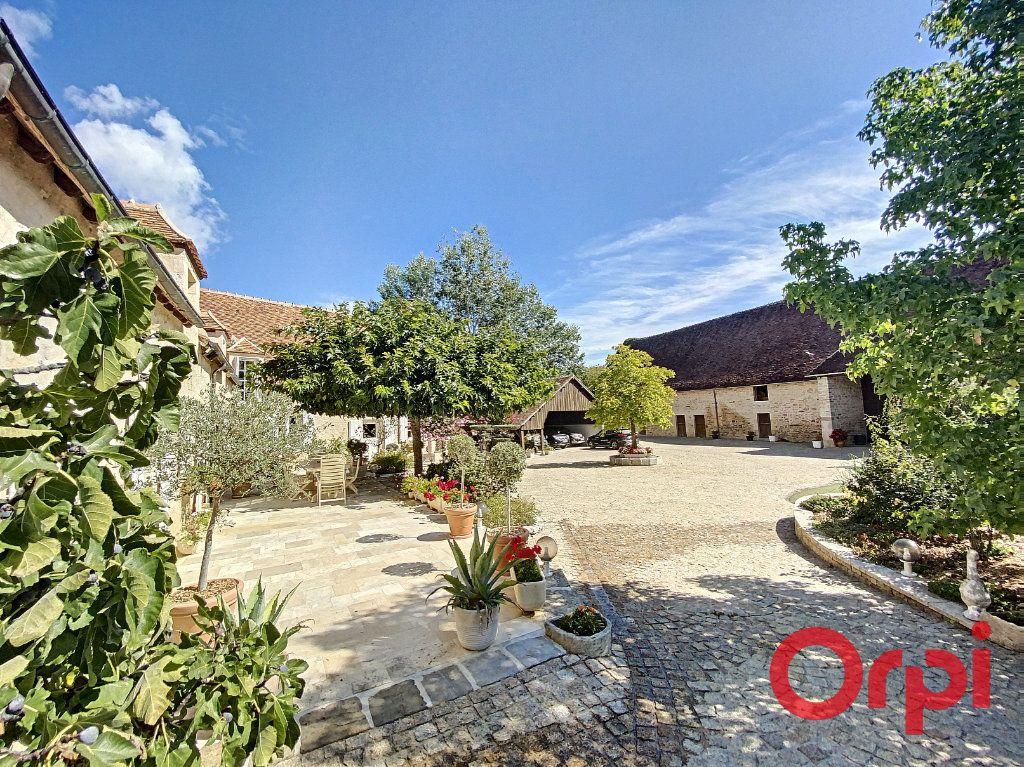 Maison à vendre 15 430m2 à Orcenais vignette-4