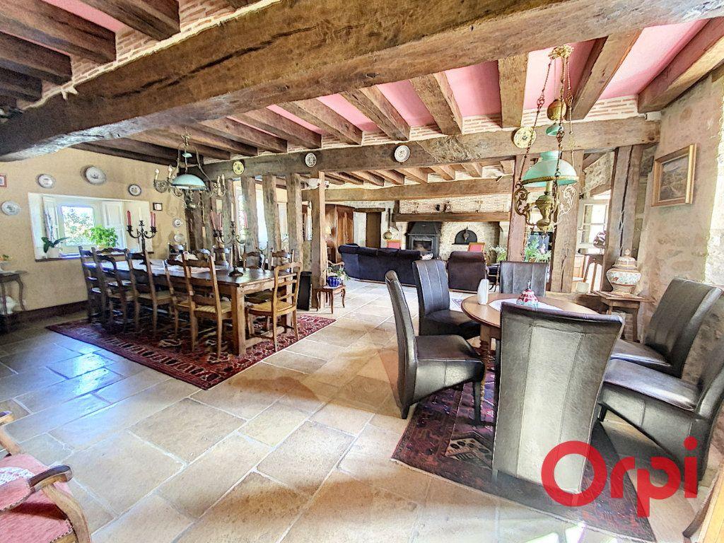 Maison à vendre 15 430m2 à Orcenais vignette-6