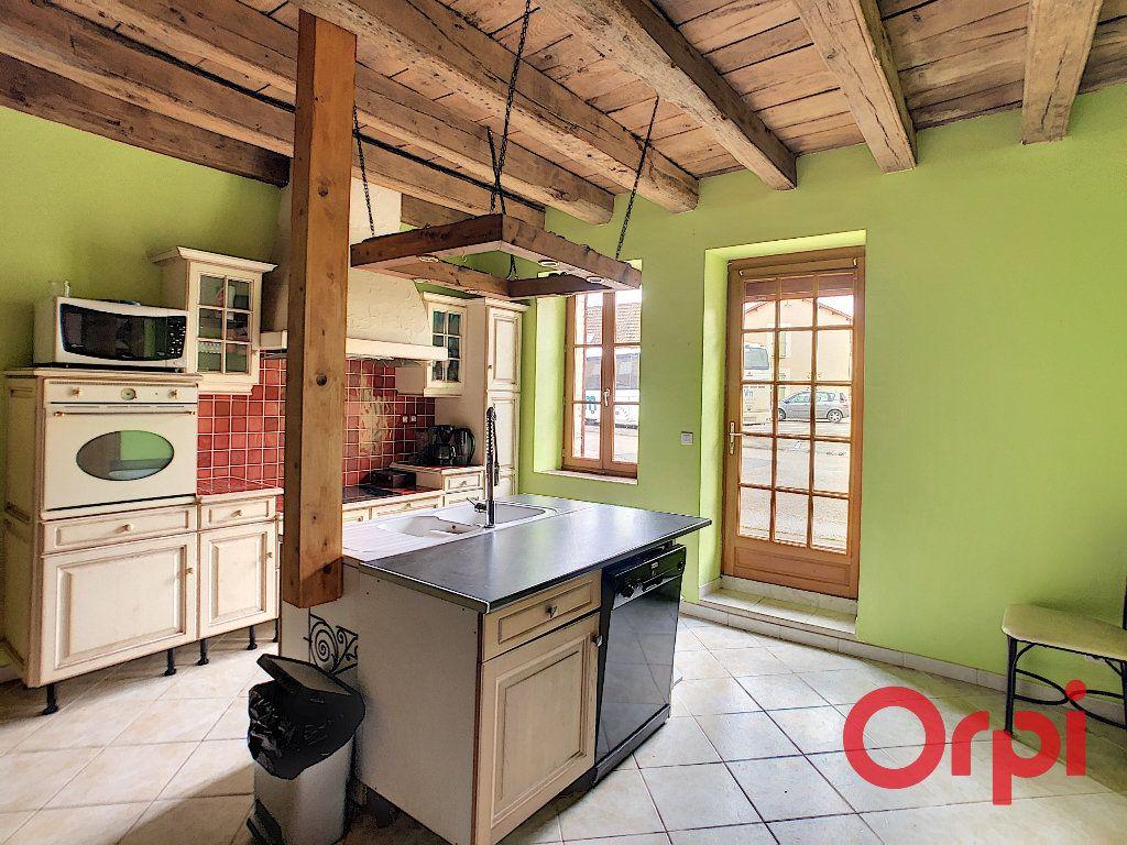 Maison à vendre 5 176m2 à Urçay vignette-2