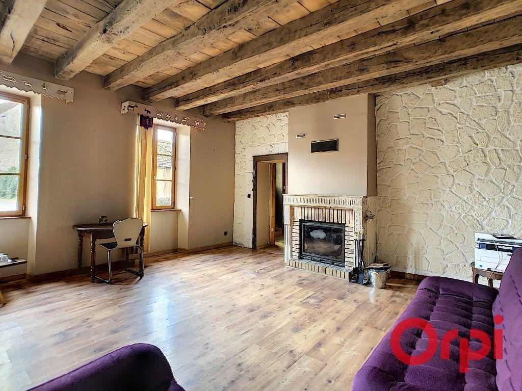 Maison à vendre 5 176m2 à Urçay vignette-3