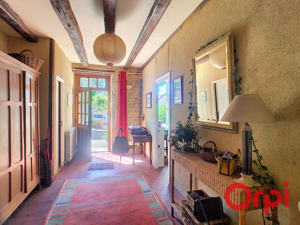 Maison à vendre 7 200m2 à Saint-Amand-Montrond vignette-2