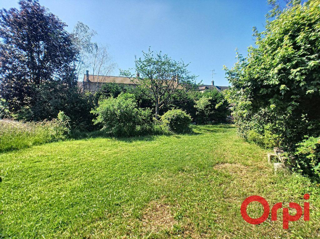 Maison à vendre 7 200m2 à Saint-Amand-Montrond vignette-11
