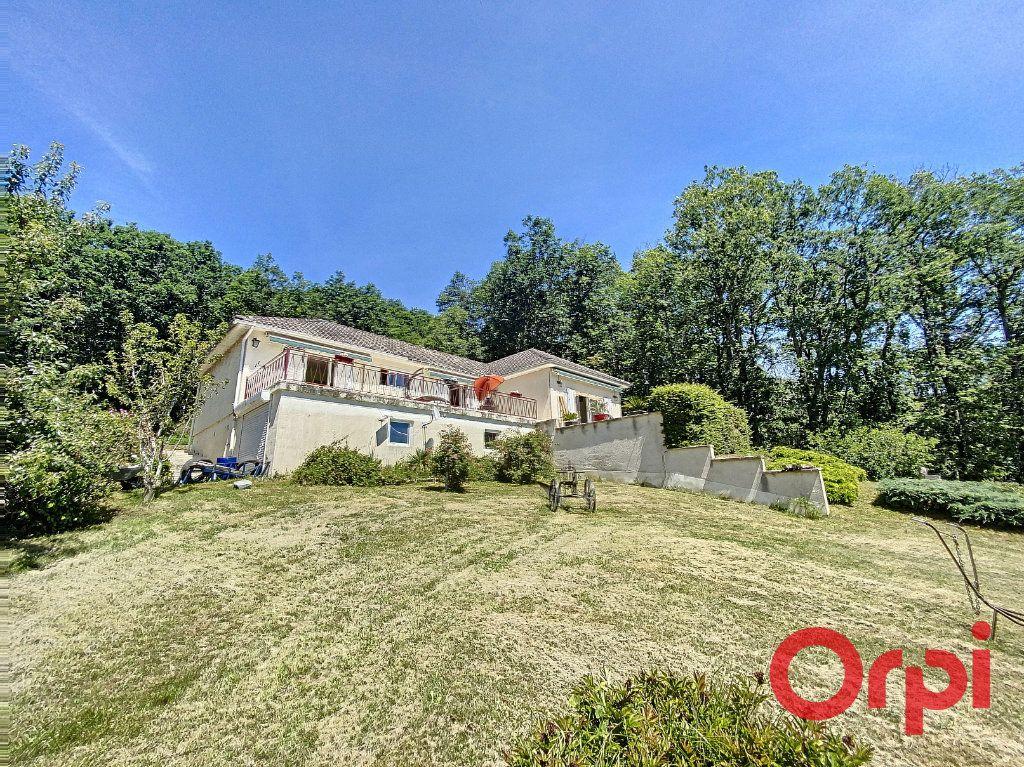 Maison à vendre 5 97m2 à Saint-Amand-Montrond vignette-1