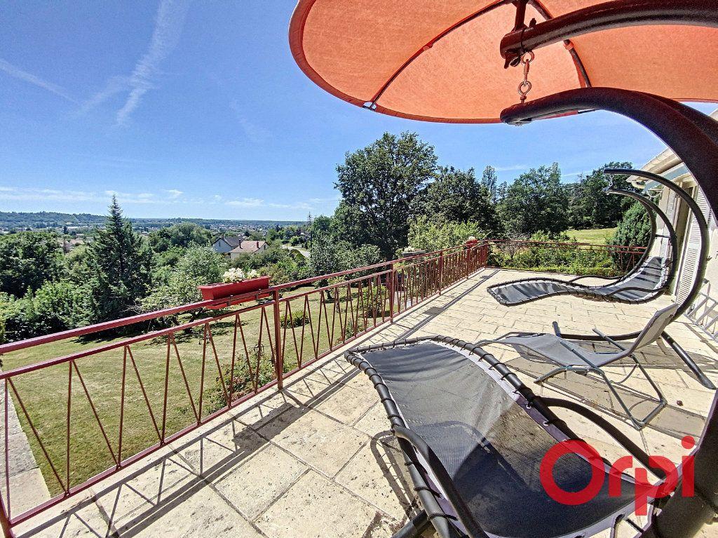Maison à vendre 5 97m2 à Saint-Amand-Montrond vignette-2