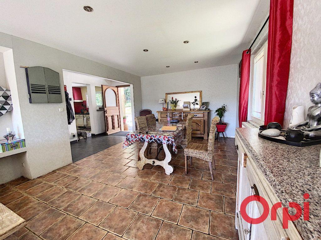 Maison à vendre 5 97m2 à Saint-Amand-Montrond vignette-4