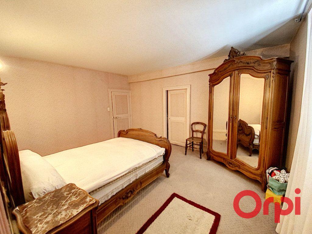Maison à vendre 7 180m2 à Le Châtelet vignette-5