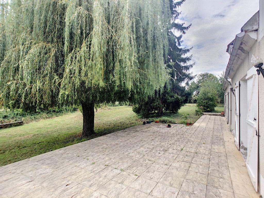 Maison à vendre 5 93m2 à Saint-Pierre-les-Étieux vignette-1