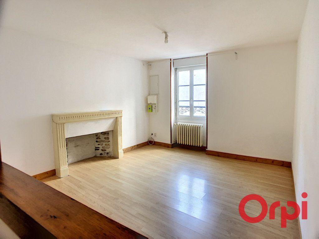 Maison à vendre 11 213.36m2 à Lignières vignette-9