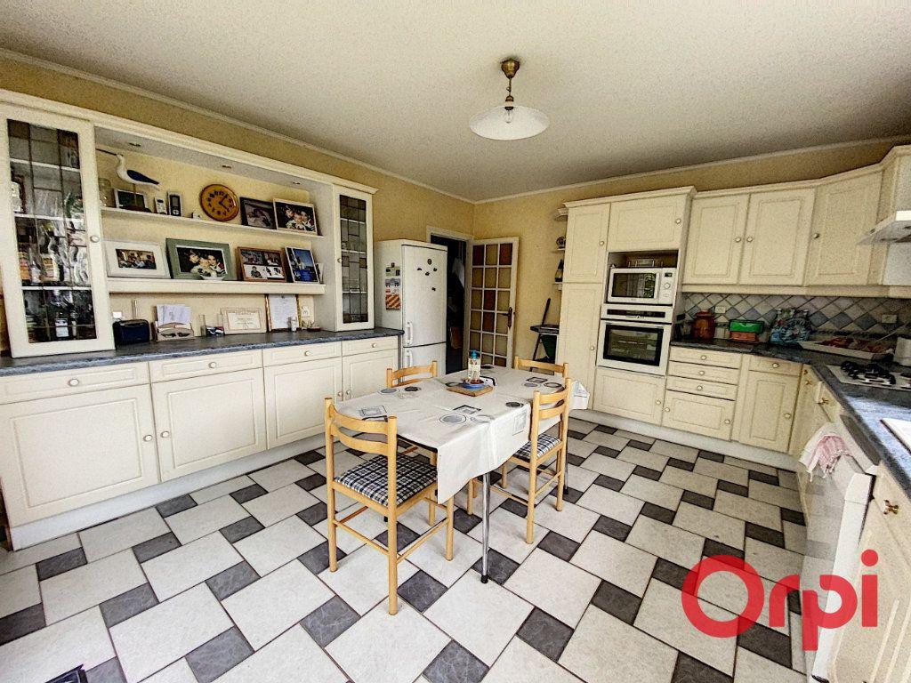 Maison à vendre 6 157m2 à Saint-Amand-Montrond vignette-5