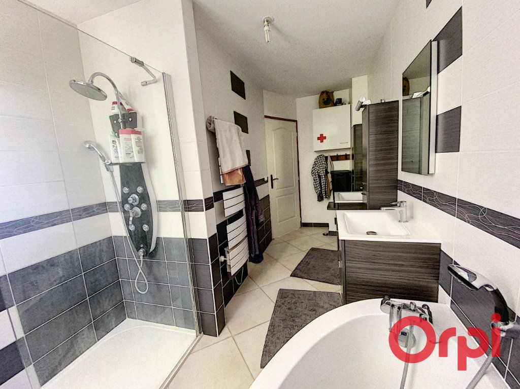 Maison à vendre 6 183m2 à Dun-sur-Auron vignette-6
