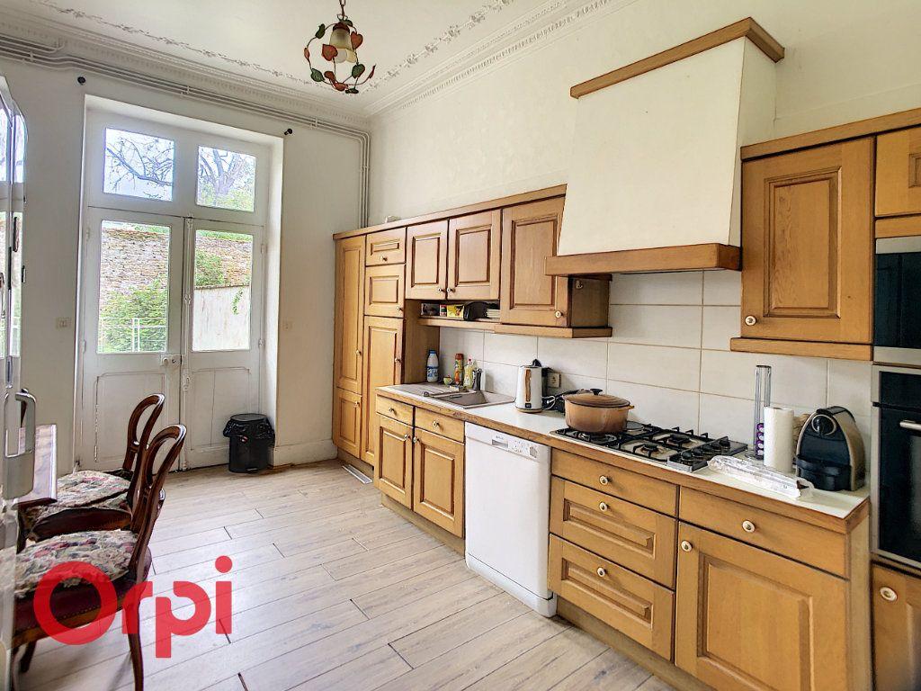 Maison à vendre 7 216m2 à Saint-Amand-Montrond vignette-4