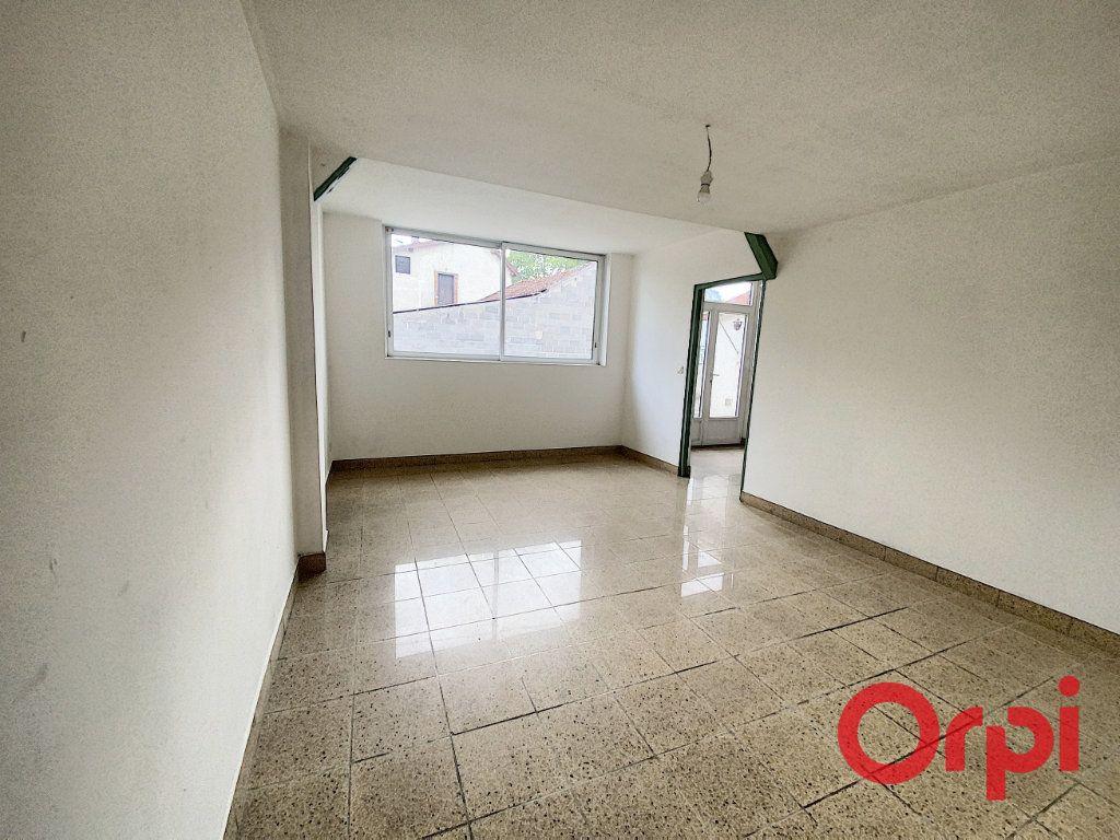 Maison à vendre 5 125m2 à Saint-Amand-Montrond vignette-2
