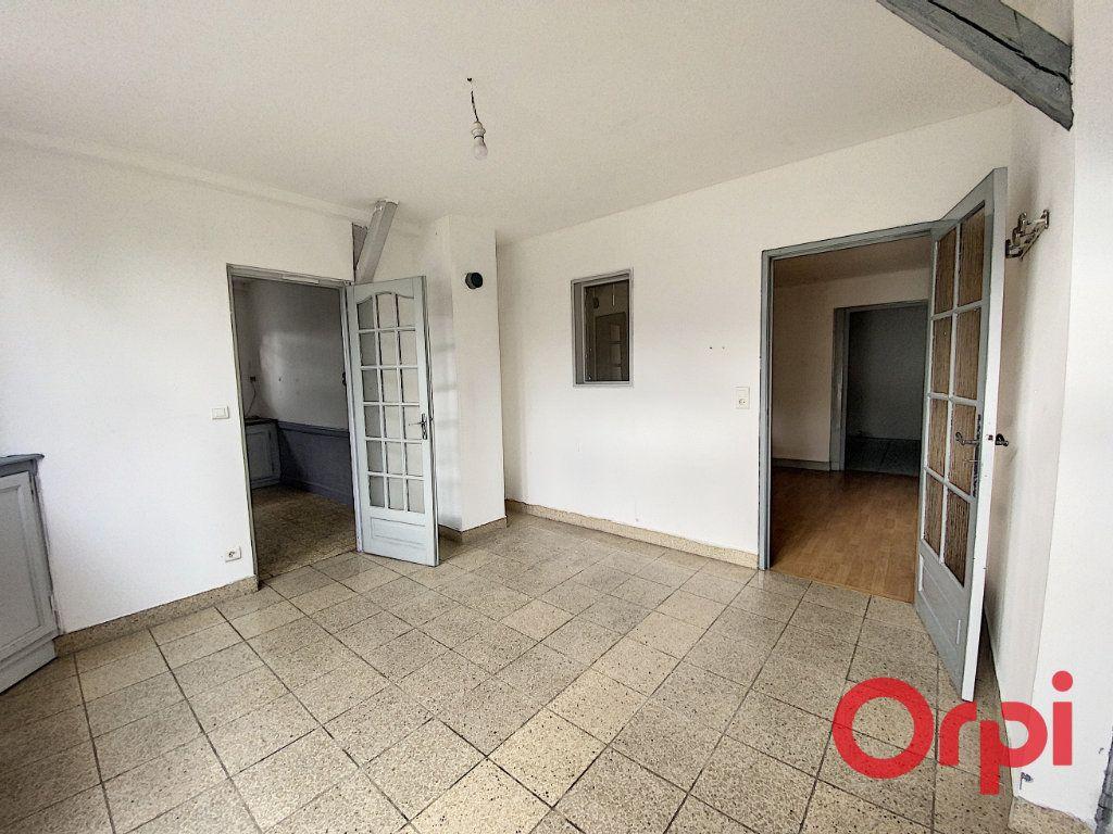 Maison à vendre 5 125m2 à Saint-Amand-Montrond vignette-3