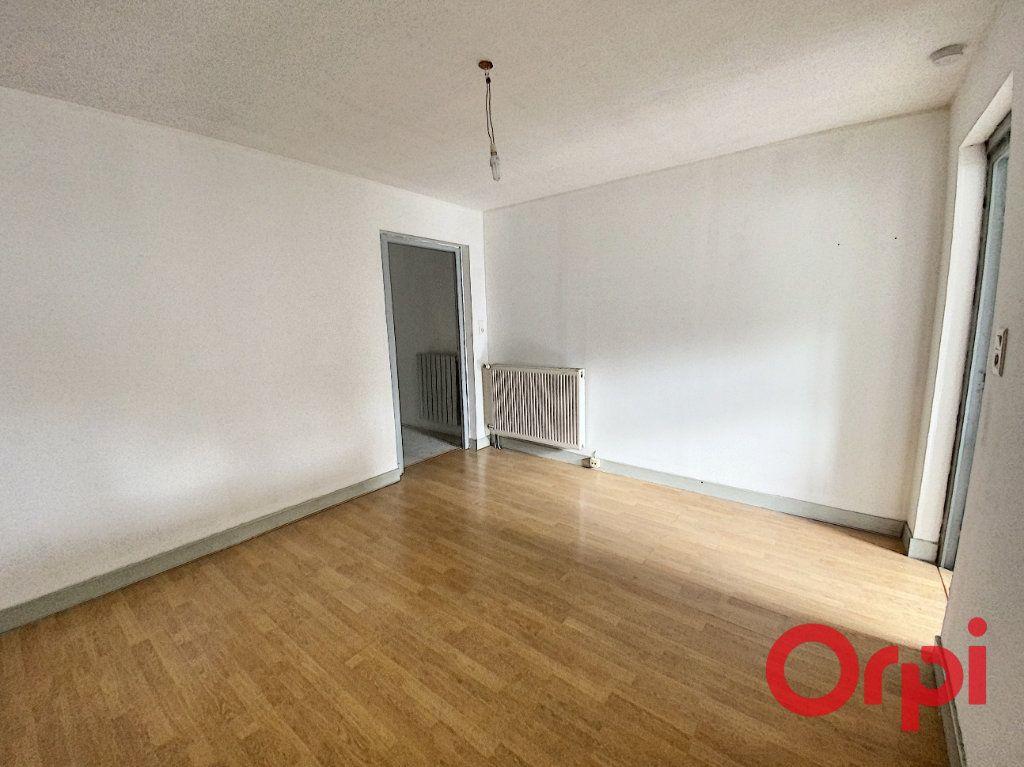 Maison à vendre 5 125m2 à Saint-Amand-Montrond vignette-4
