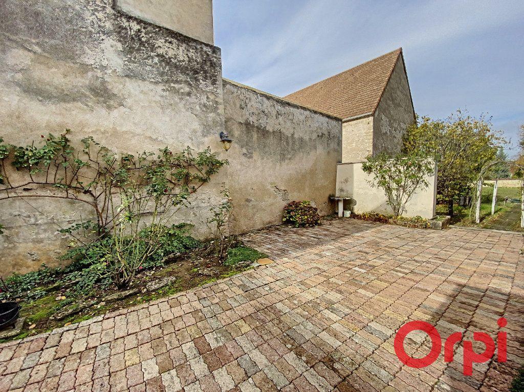 Maison à vendre 5 148m2 à Saint-Amand-Montrond vignette-12