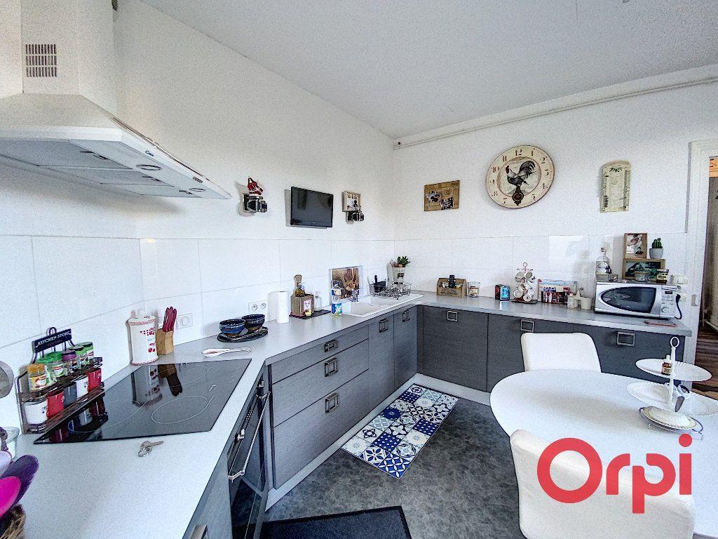 Maison à vendre 5 96.4m2 à Saint-Amand-Montrond vignette-2