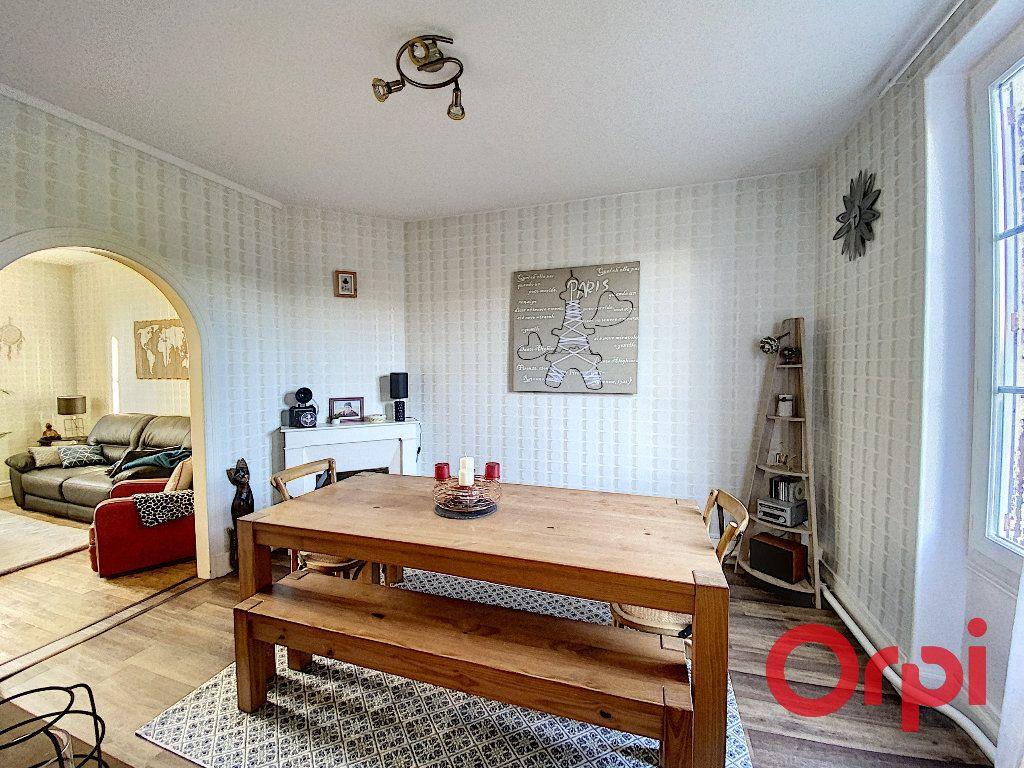 Maison à vendre 5 96.4m2 à Saint-Amand-Montrond vignette-3