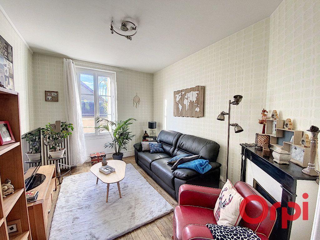 Maison à vendre 5 96.4m2 à Saint-Amand-Montrond vignette-4