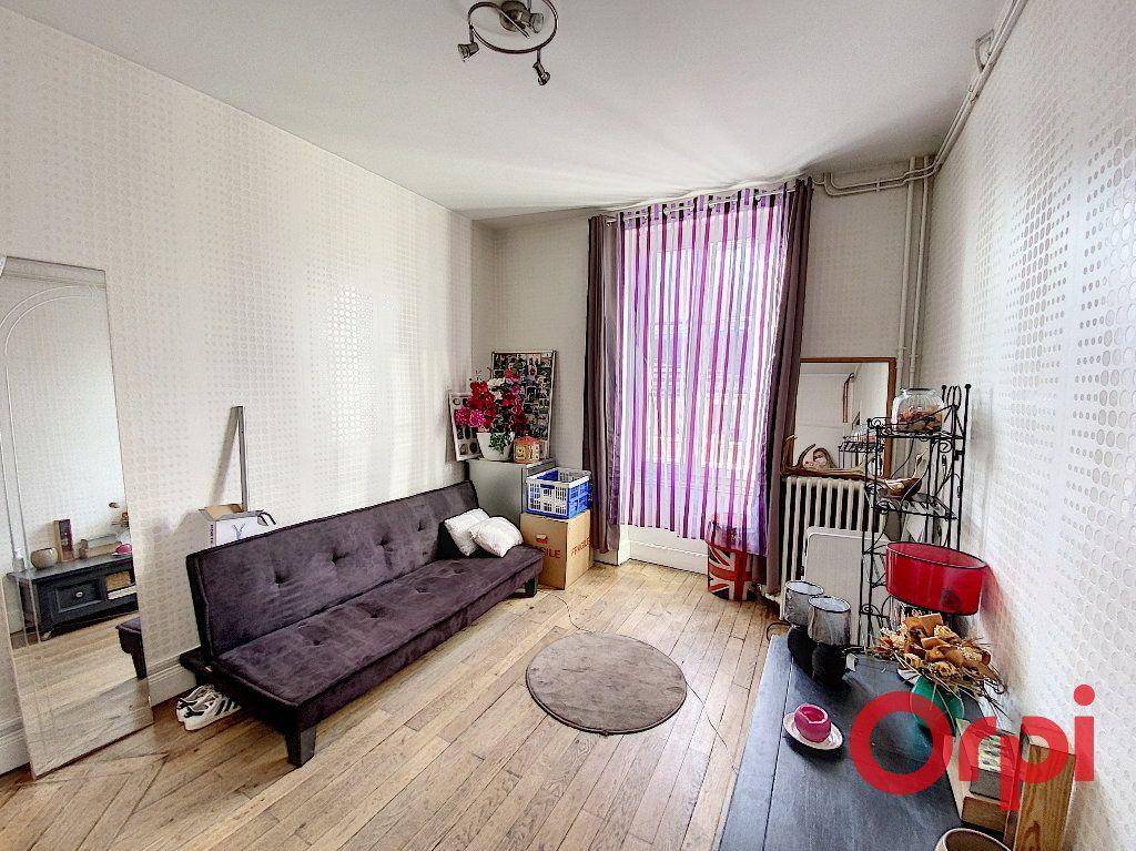 Maison à vendre 5 96.4m2 à Saint-Amand-Montrond vignette-5