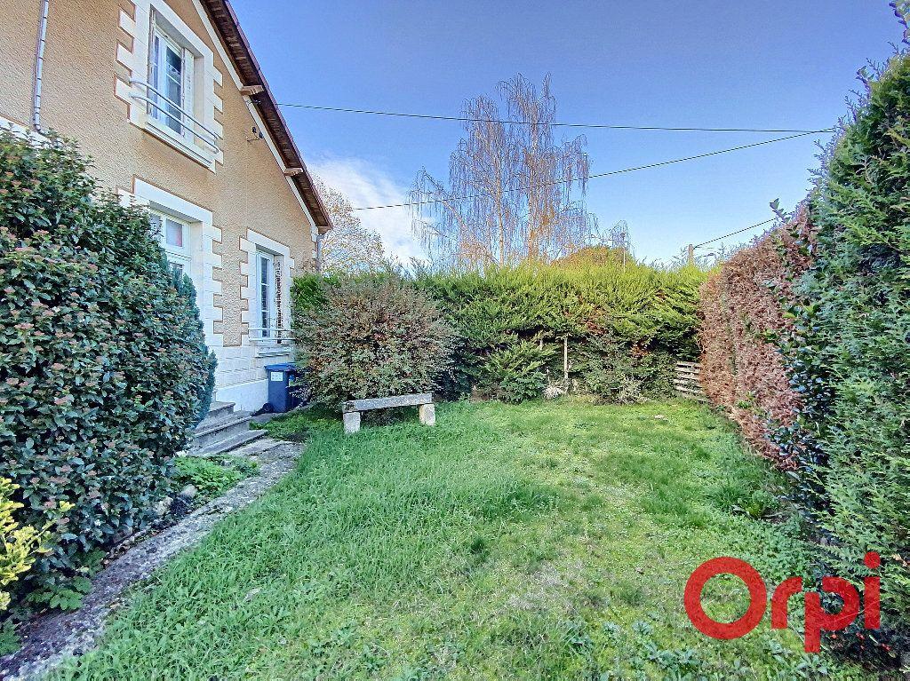 Maison à vendre 5 96.4m2 à Saint-Amand-Montrond vignette-11