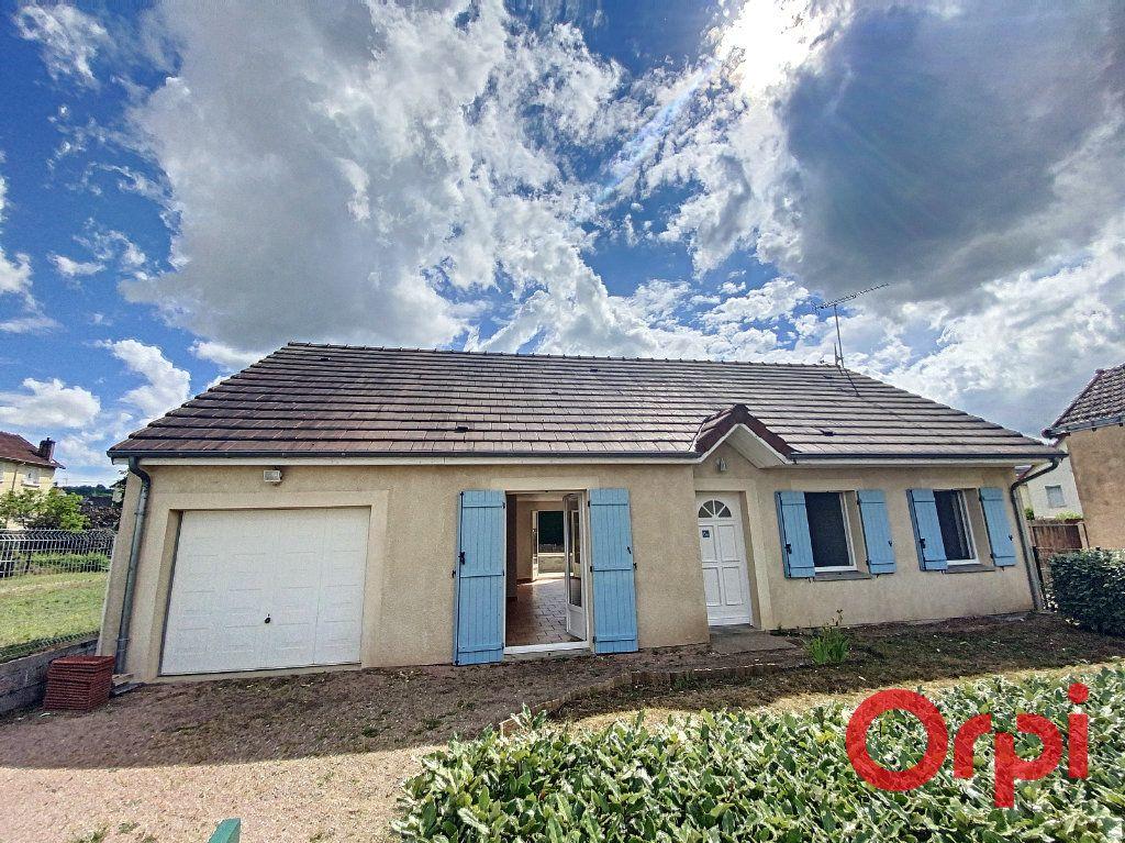 Maison à vendre 4 91m2 à Saint-Amand-Montrond vignette-1