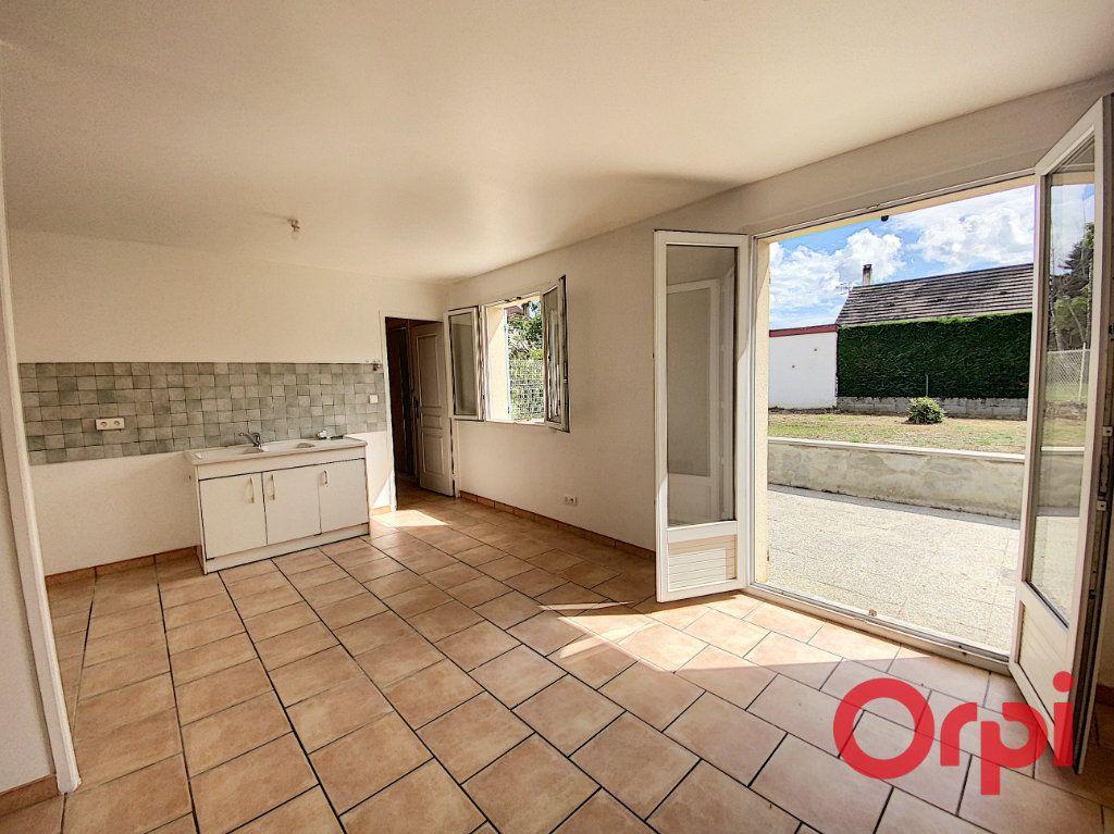 Maison à vendre 4 91m2 à Saint-Amand-Montrond vignette-3