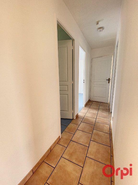 Maison à vendre 4 91m2 à Saint-Amand-Montrond vignette-6