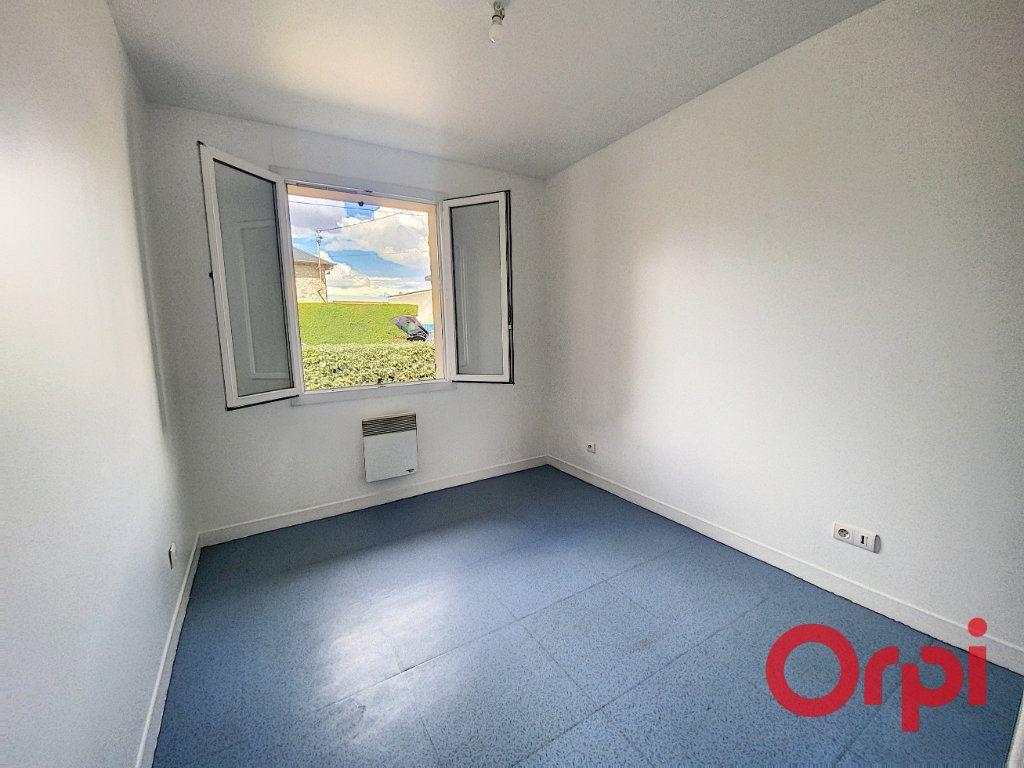 Maison à vendre 4 91m2 à Saint-Amand-Montrond vignette-8