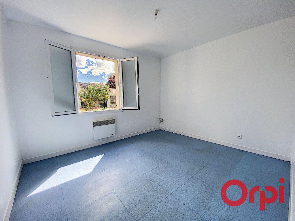 Maison à vendre 4 91m2 à Saint-Amand-Montrond vignette-9