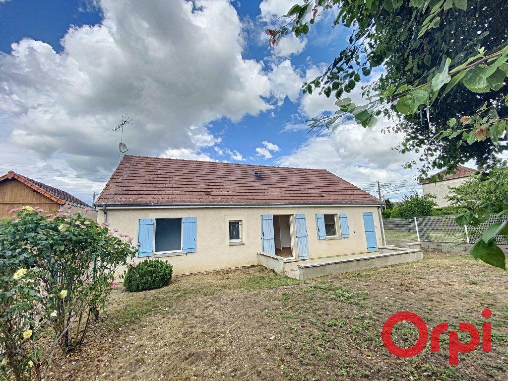 Maison à vendre 4 91m2 à Saint-Amand-Montrond vignette-10