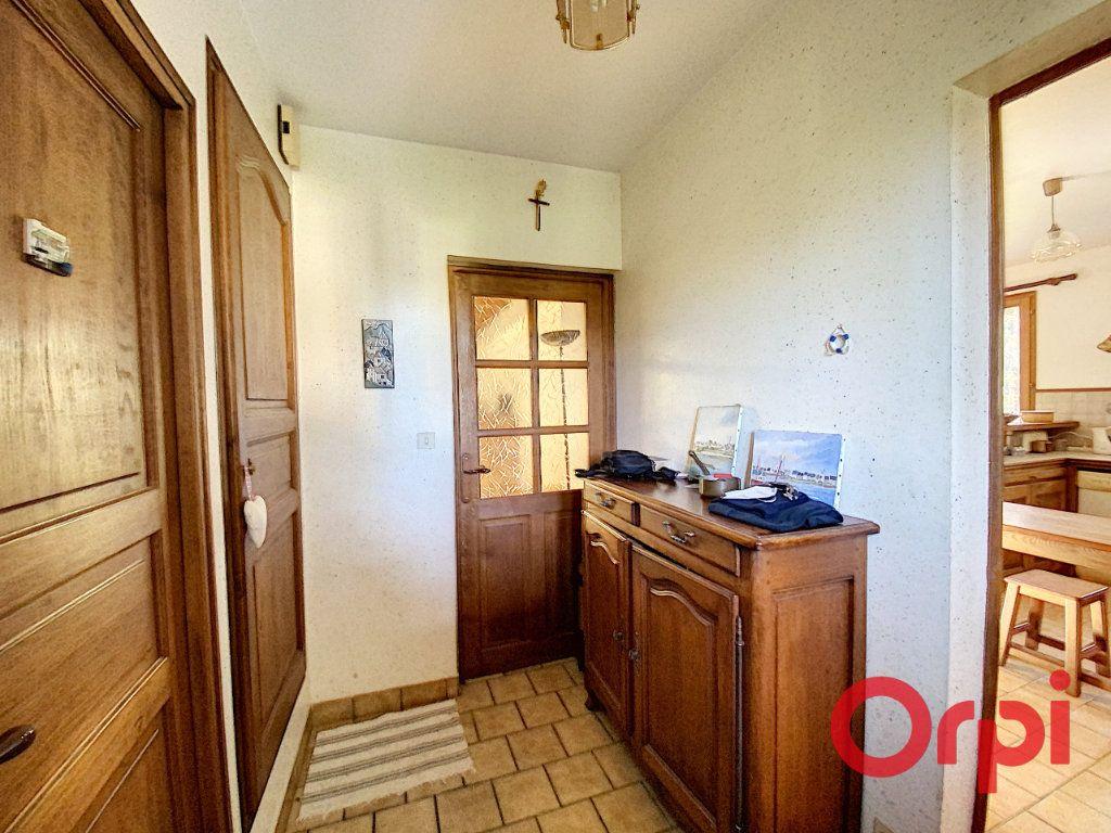 Maison à vendre 6 141.31m2 à Châteaumeillant vignette-2