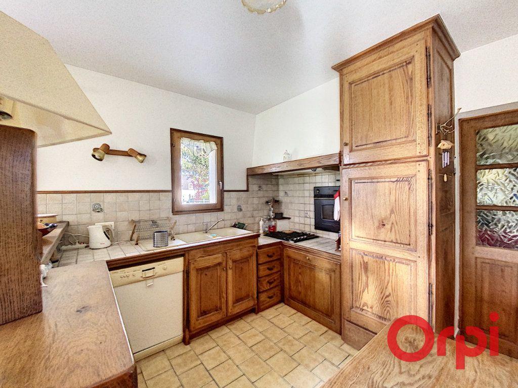 Maison à vendre 6 141.31m2 à Châteaumeillant vignette-3