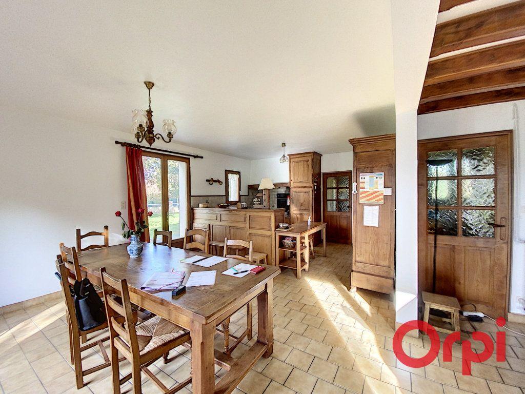 Maison à vendre 6 141.31m2 à Châteaumeillant vignette-4