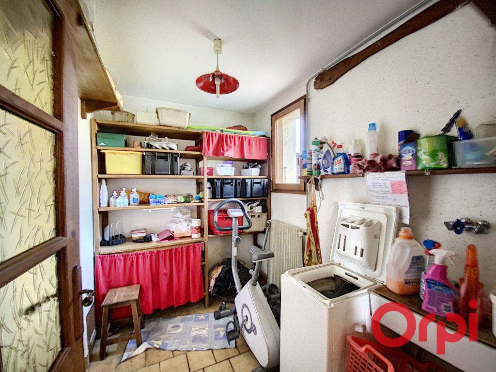 Maison à vendre 6 141.31m2 à Châteaumeillant vignette-6