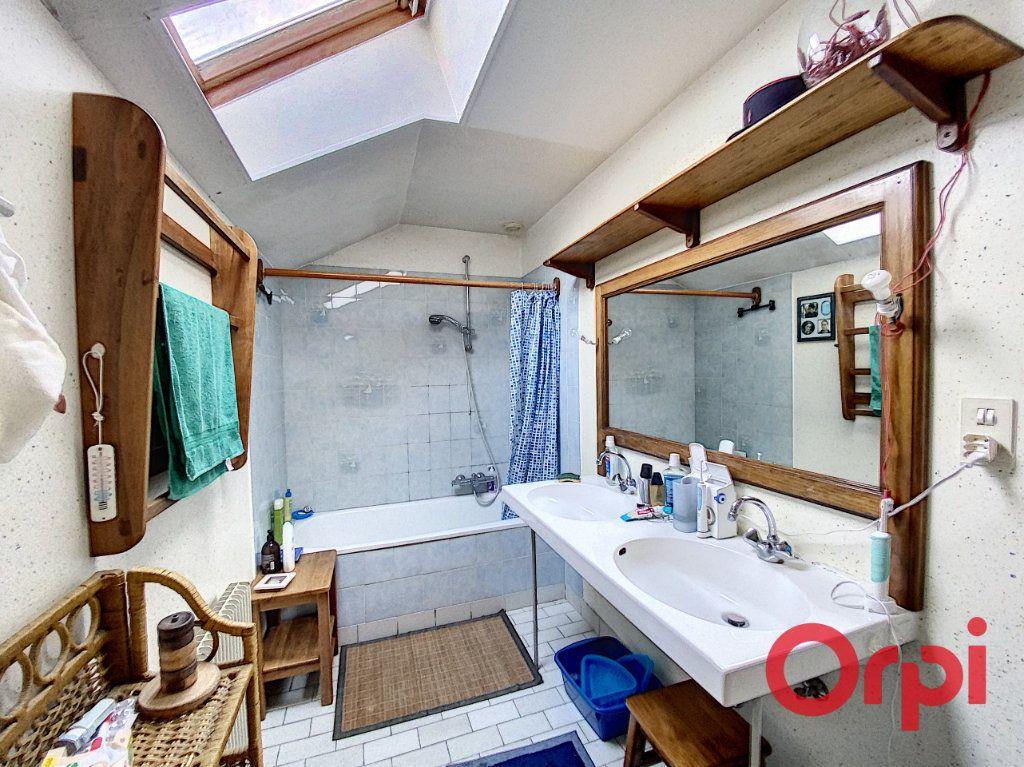 Maison à vendre 6 141.31m2 à Châteaumeillant vignette-7