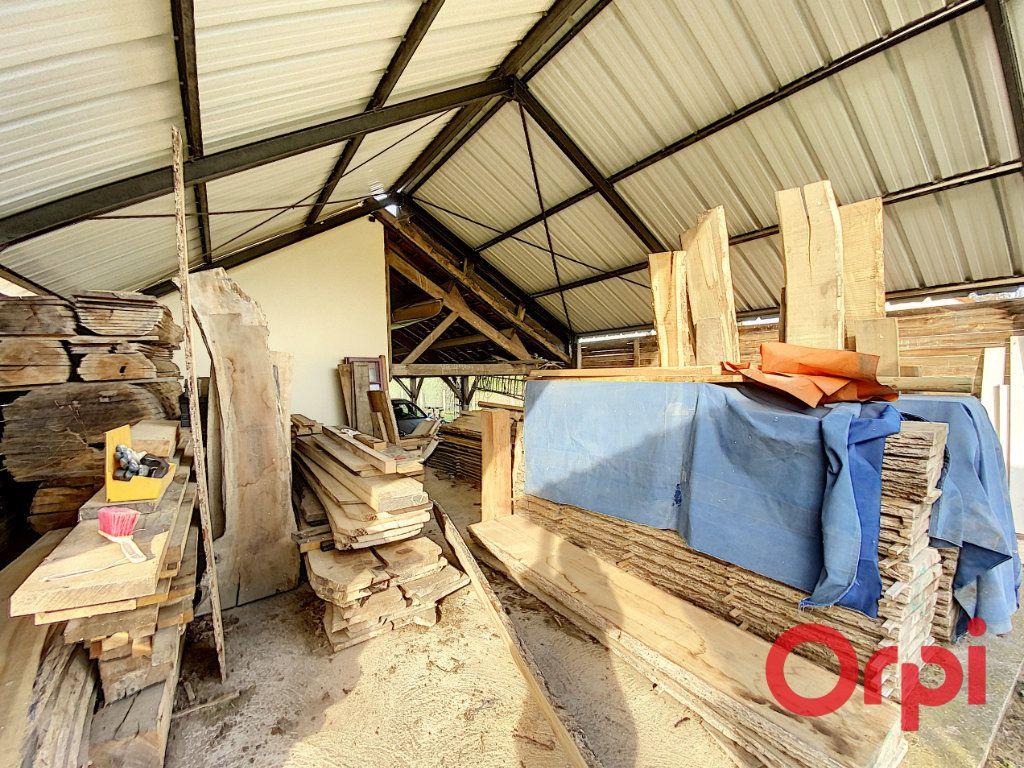 Maison à vendre 6 141.31m2 à Châteaumeillant vignette-11